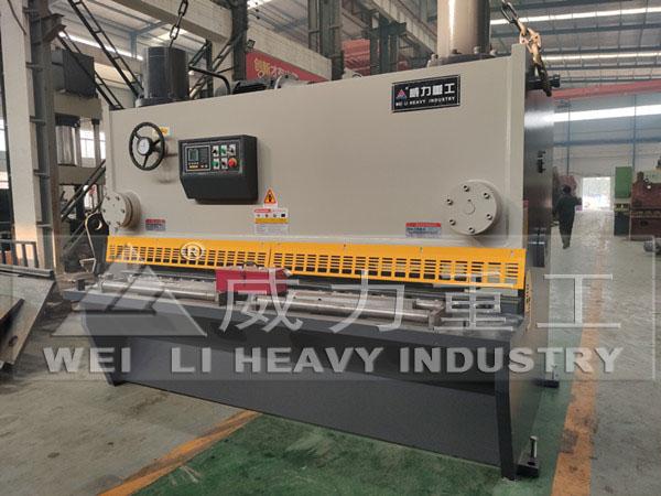 剪25个厚2.5米液压闸式剪板机
